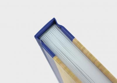 genaaid-gebonden-boek-pen-en-penstreken